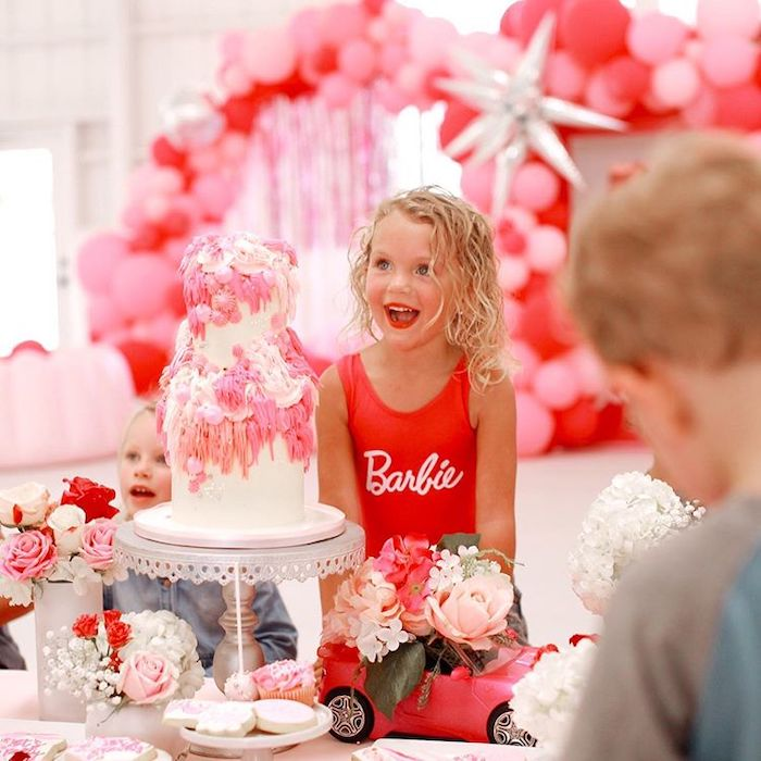 Фотозона Барби Ранчо на день рождения девочки