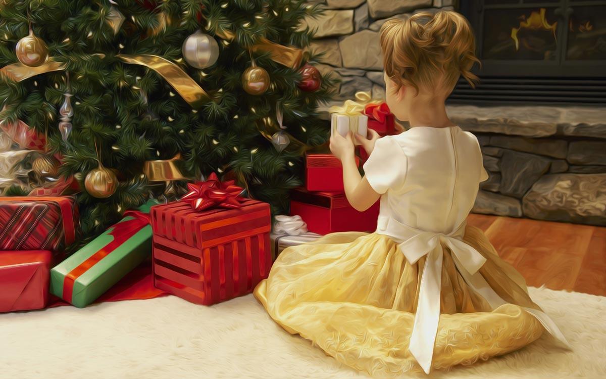 Подарок под елкой очень интересно находить. Фото с сайта holidaydays.ru