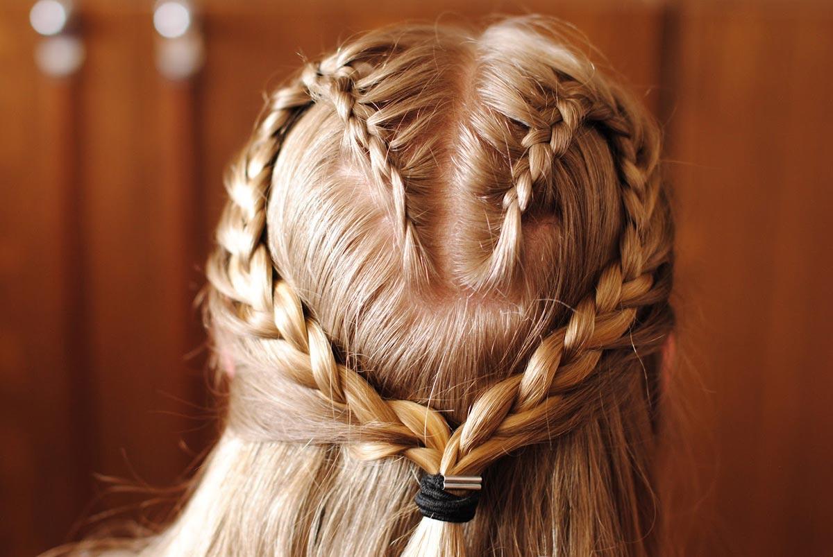 Романтичная коса-сердечко