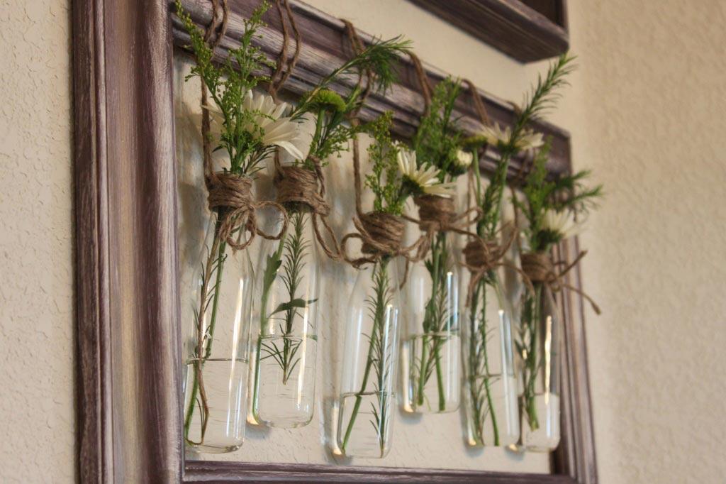 Ветви в бутылочках. Фото с сайта ucrazy.ru