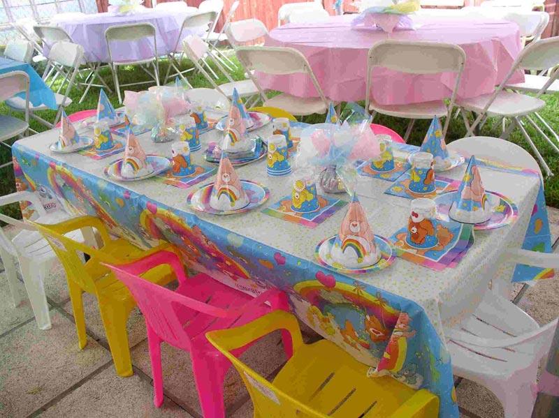 Оформление стола на день рождения. Фото с сайта lacelebracion.com