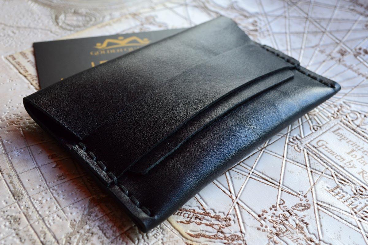 Стильный кожаный бумажник. Фото с сайта ggskin.com.ua