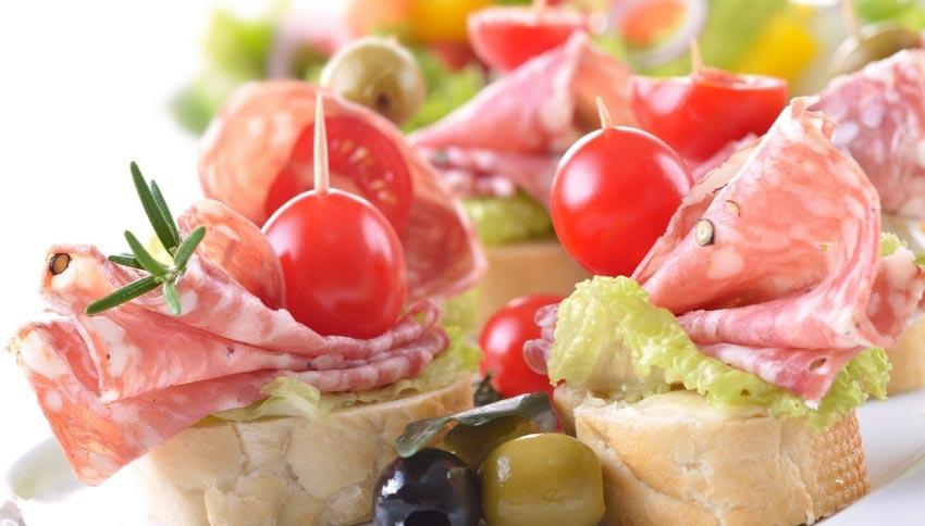 Красивые бутерброды с колбасой. Фото с сайта www.berlin-info.de