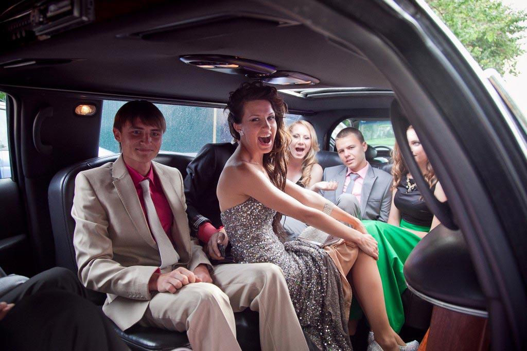 Поездка на лимузине понравится выпускникам. Фото с сайта www.showorld.ru