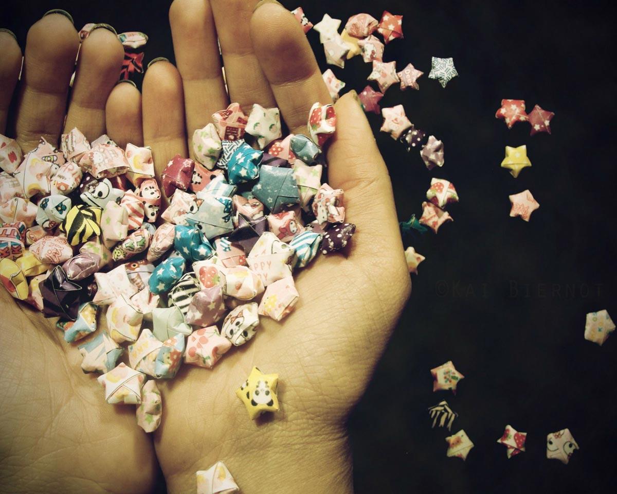 Украшения оригами. Фото с сайта picture-box.ru