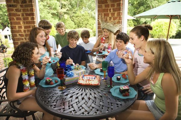 Главное, чтобы собрались все друзья мальчика. Фото с сайта everydaylife.globalpost.com