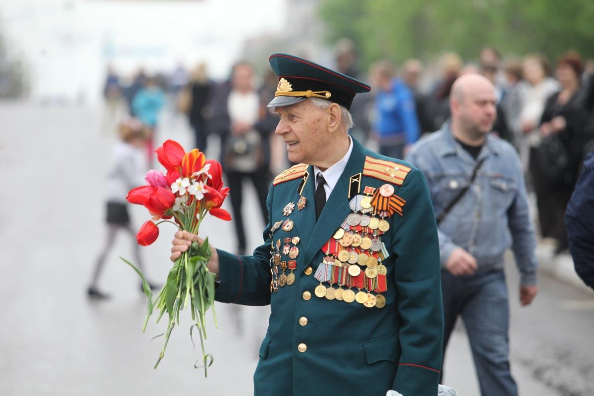 Поздравьте знакомых бывших и настоящих солдат. Фото с сайта tobolsk.vsemetri.com