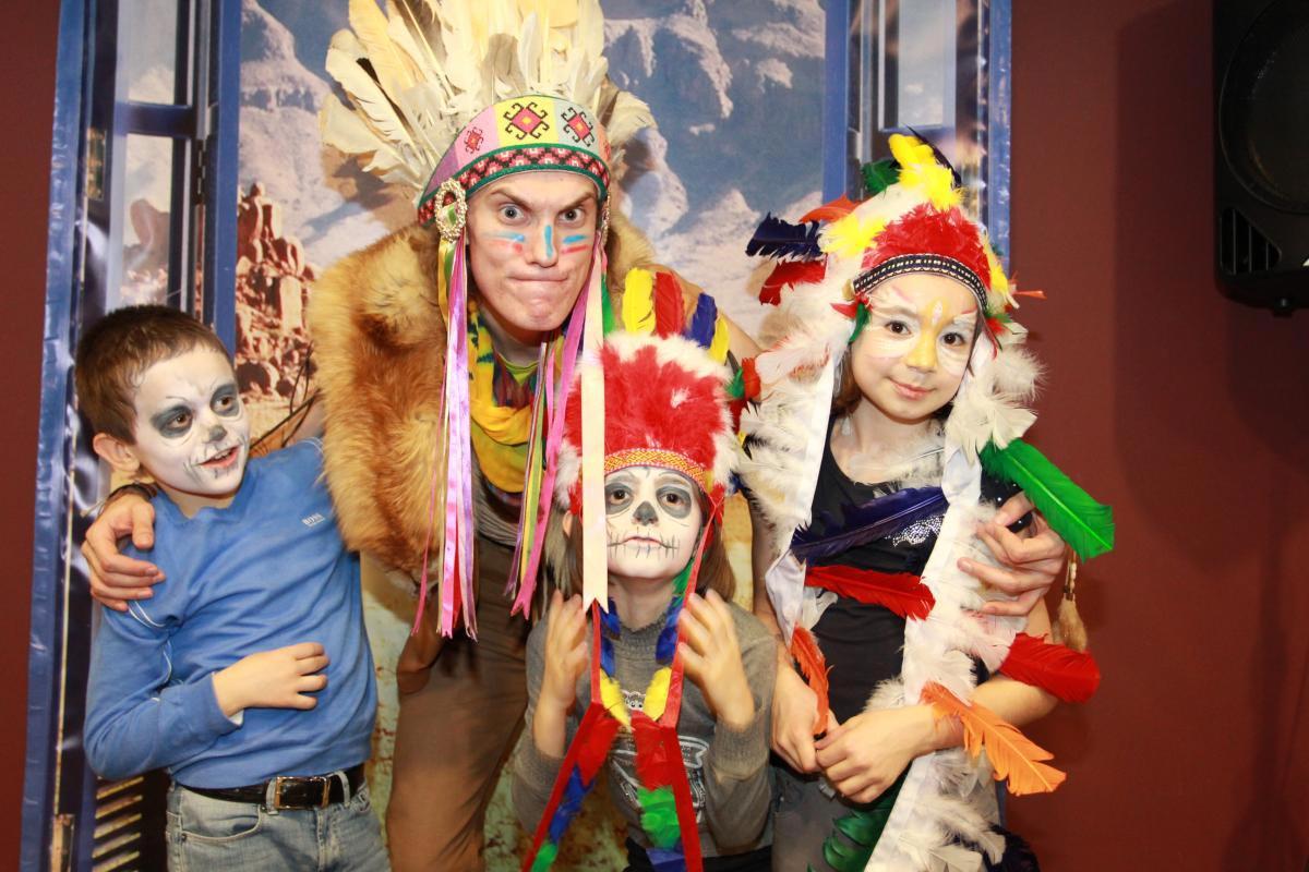 Вечеринка индейцев. Фото с сайта www.talantville.ru