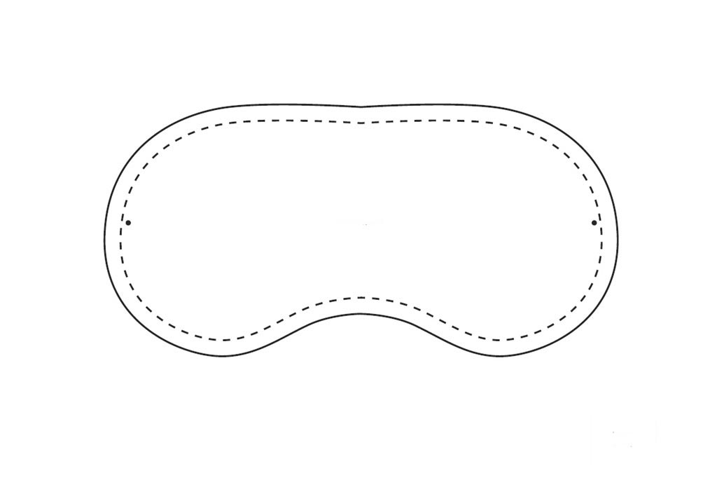 Выкройка для маски на глаза. Фото с сайта knitly.com