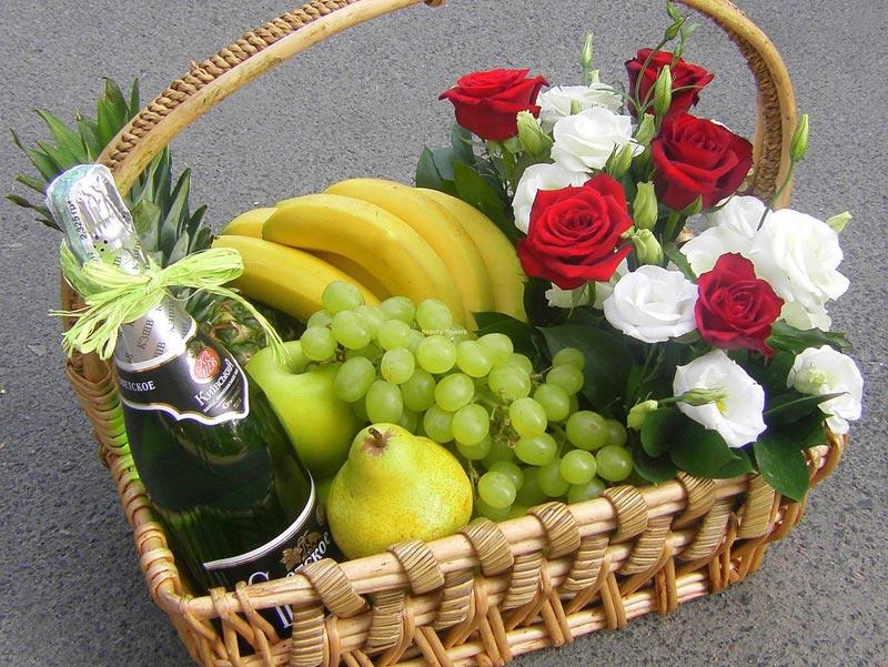 Корзина-романтик. Фото с сайта bflower.com.ua
