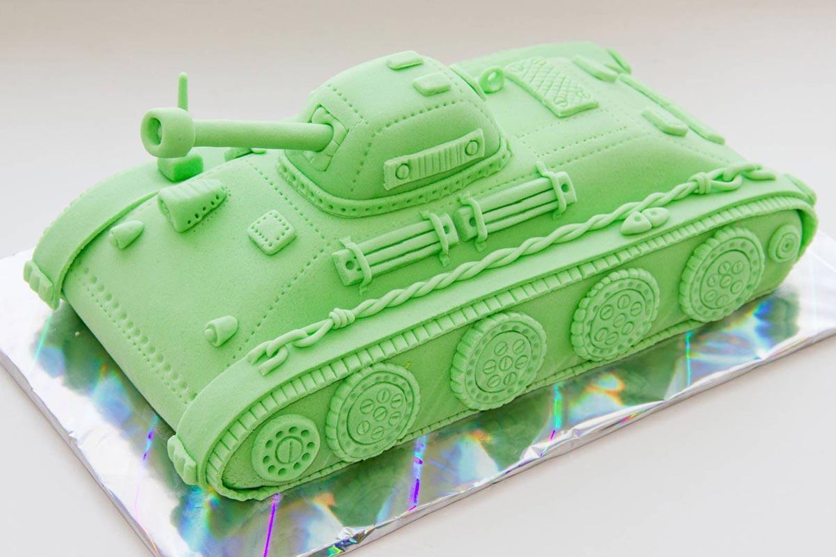 Торт-танк. Фото с сайта f14.ifotki.info