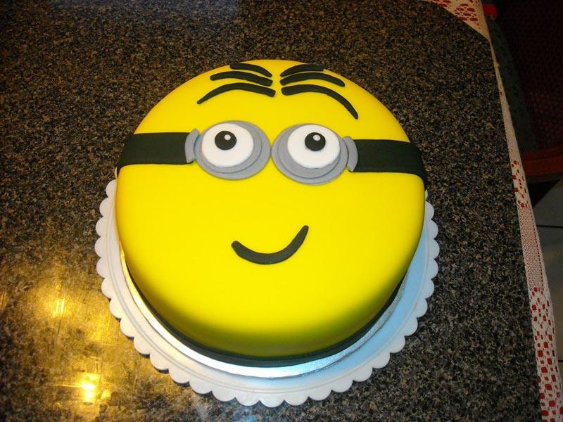 Торт должен стать главным на празднике. Фото с сайта teresascakes.com