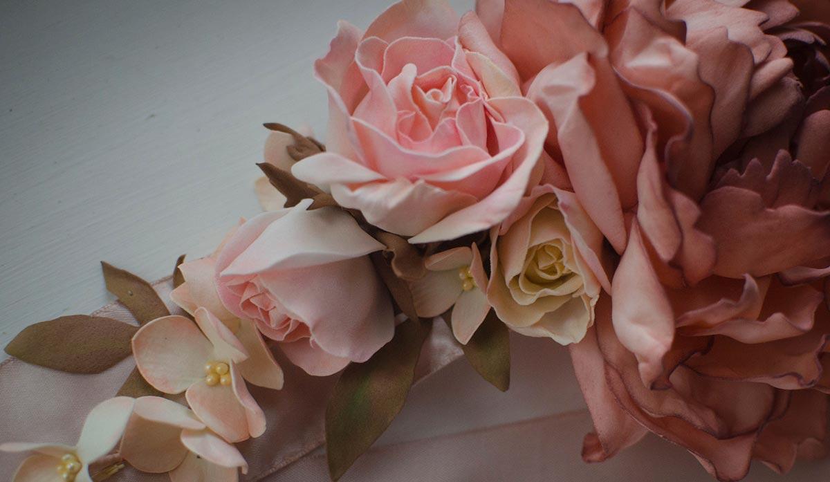 Букеты из искусственных цветов. Фото с сайта deco-flowers.net