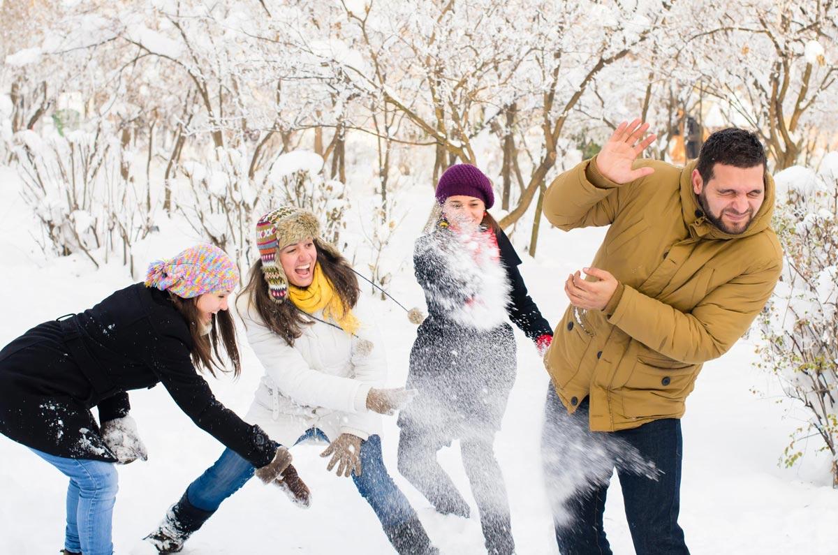 Зимние забавы на Новый год 2017. Фото с сайта static.relax.by