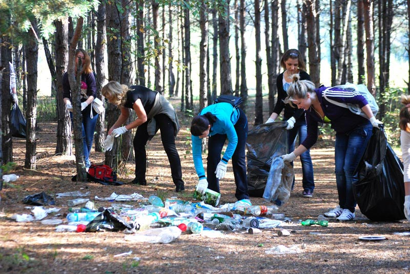 Это хороший день для субботника. Фото с сайта www.lytkarino.com