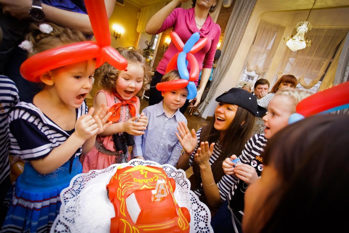 Тематический детский праздник. Фото с сайта edinorog-club.ru