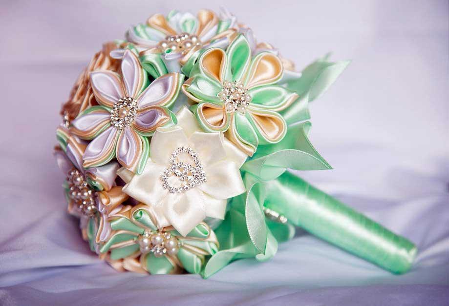 Декоративный букет своими руками. Фото с сайта svoimi-rukami.tv
