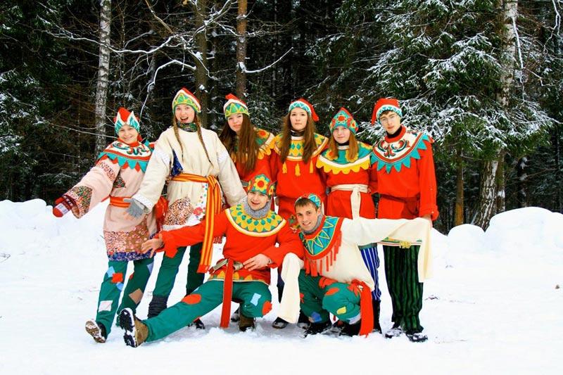 Массовые веселья на Масленицу. Фото с сайта otem-event.ru