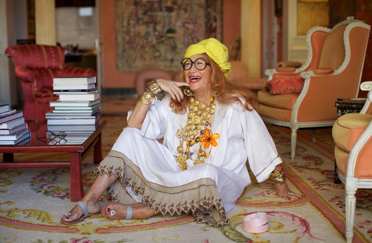 Удивите бабушку необычными аксессуарами. Фото с сайта avivas.ru