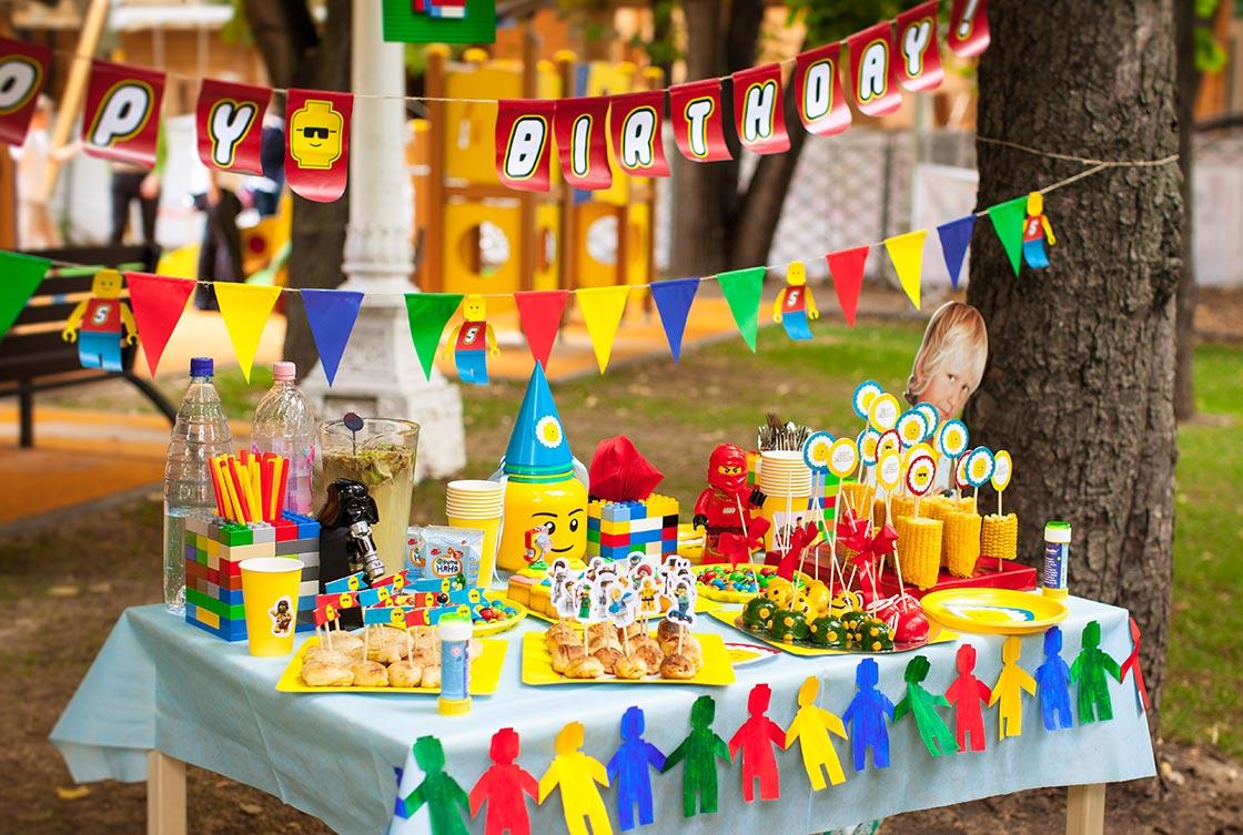 """Оформление дня рождения в стиле """"Лего"""". Фото с сайта the-pled.ru"""