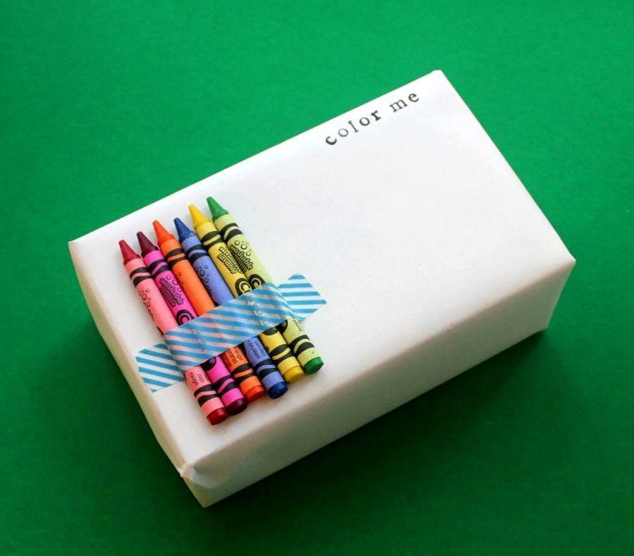 Предложите одариваемому самому раскрасить коробку. Фото с сайта handmadeidea.com.ua