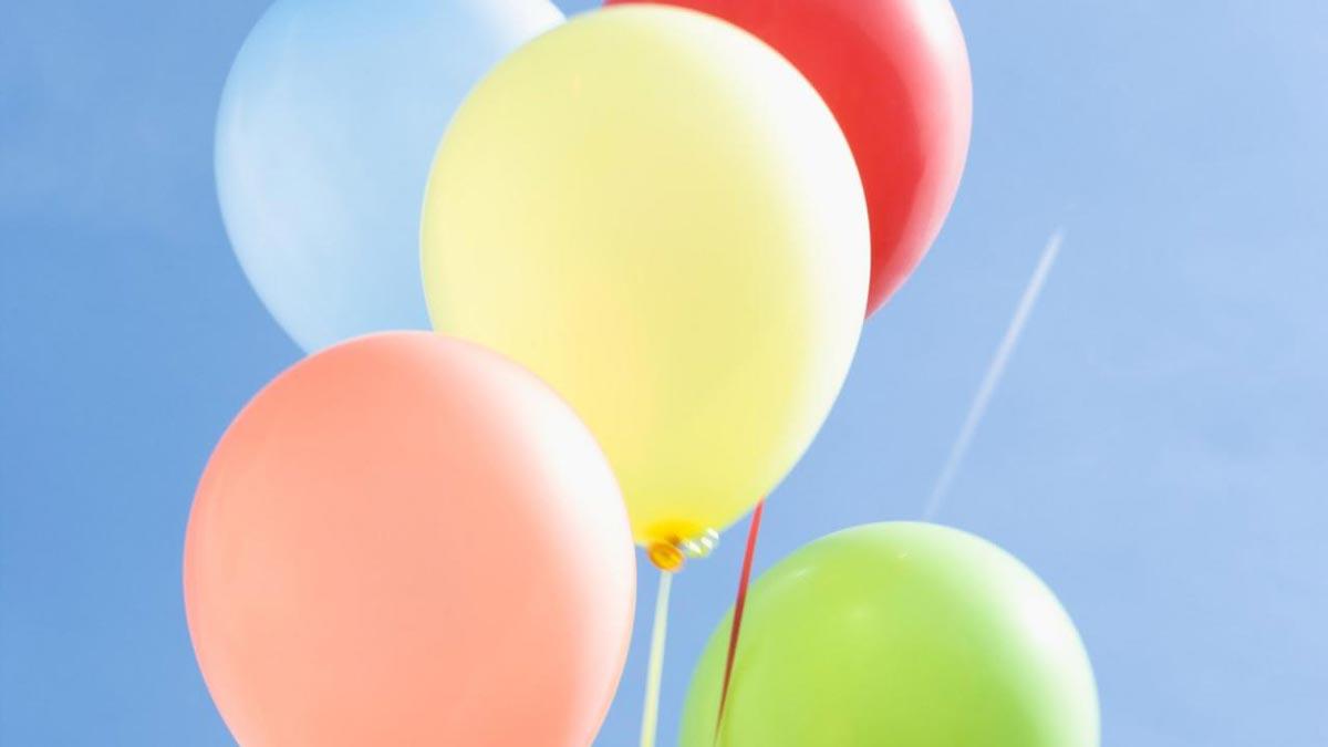 Связка шаров. Фото с сайта wallpapershacker.com