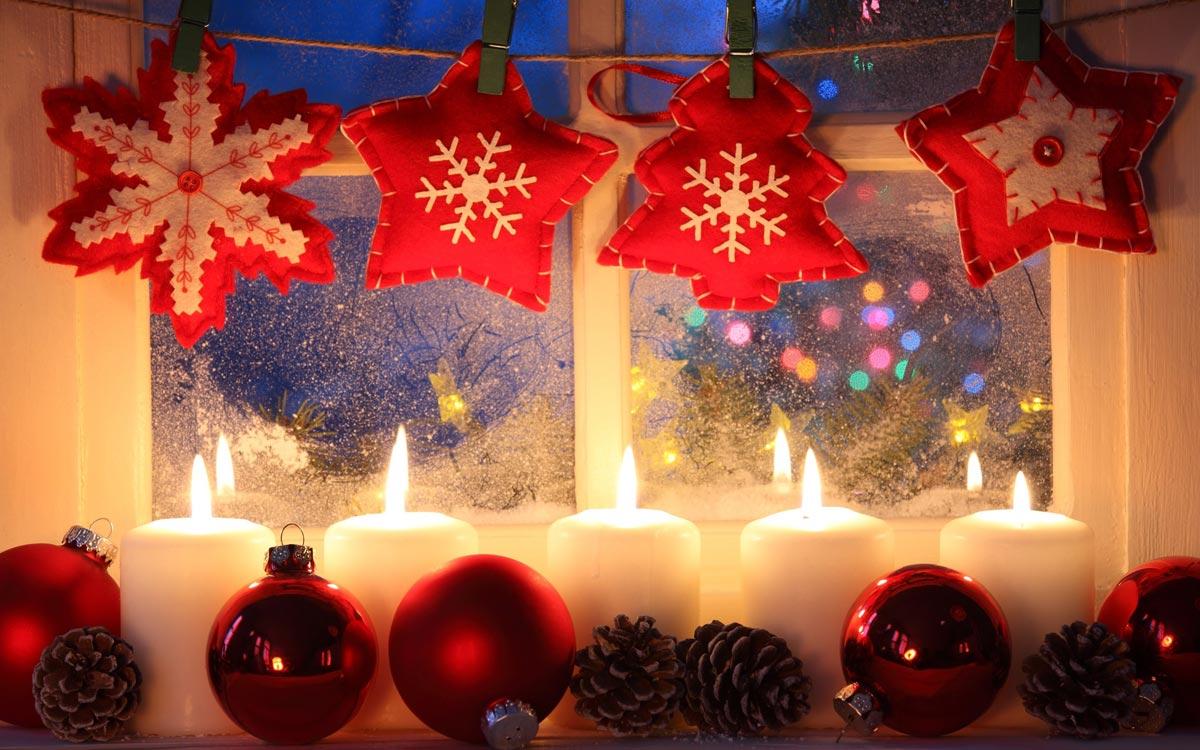 К Новому году традиционно украшают оконные проемы. Фото с сайта sf.co.ua
