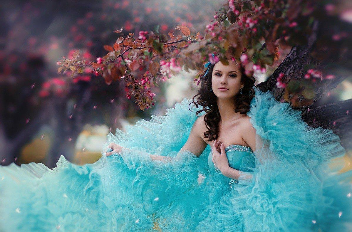 Воздушное голубое платье. Фото с сайта 99px.ru