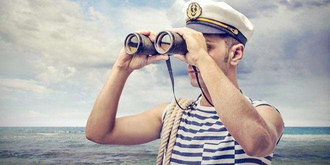 Поздравьте всех знакомых моряков. Фото с сайта 4todarit.ru