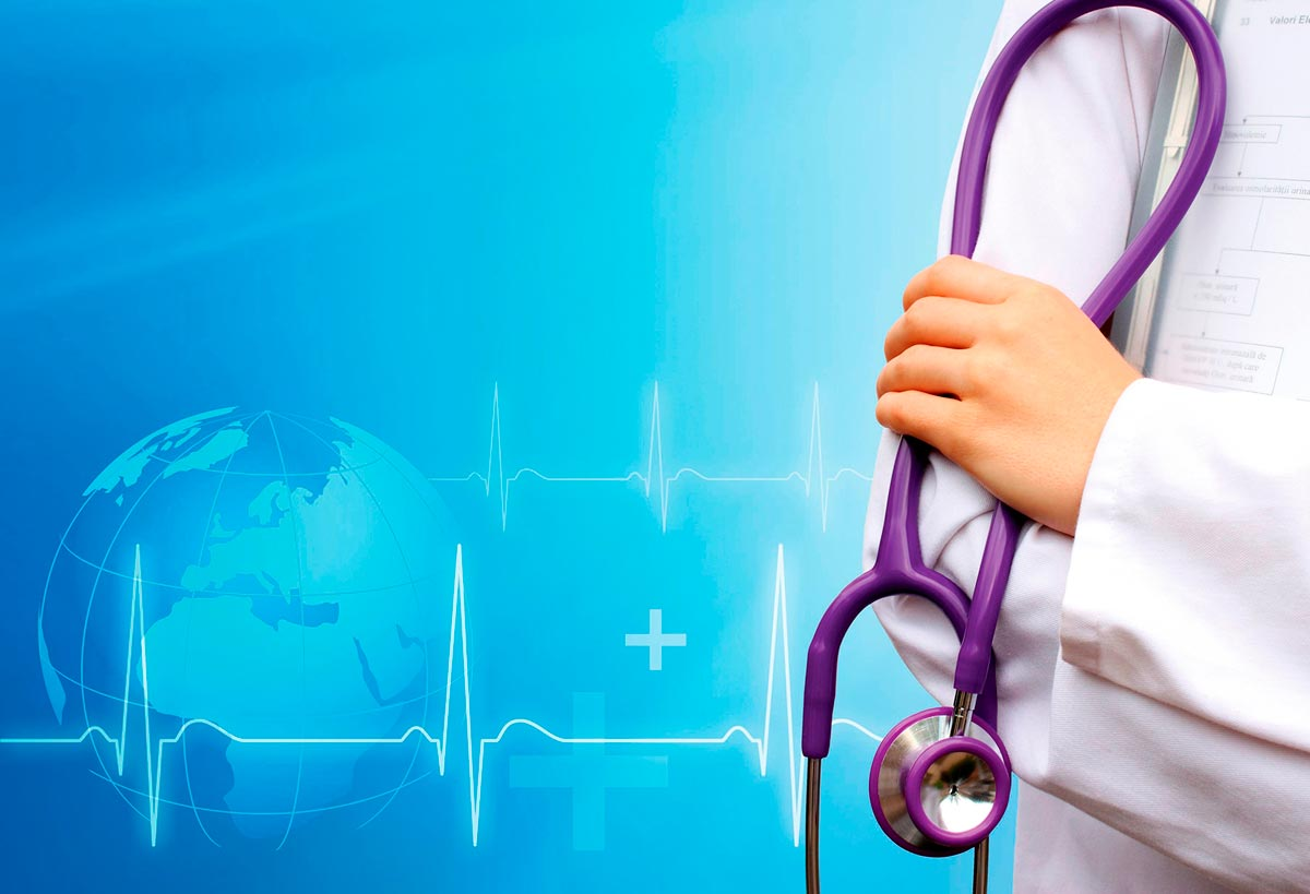 Если в этот день вам нужно на прием, подарите своему врачу хотя бы шоколадку. Фото с сайта azurates.com