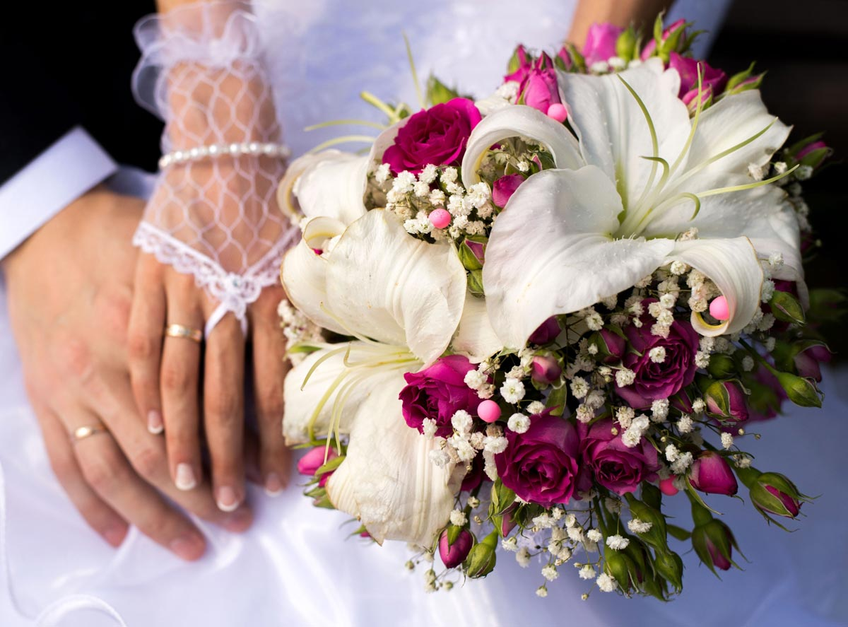 Свадебный букет с лилиями. Фото с сайта nevesta.info
