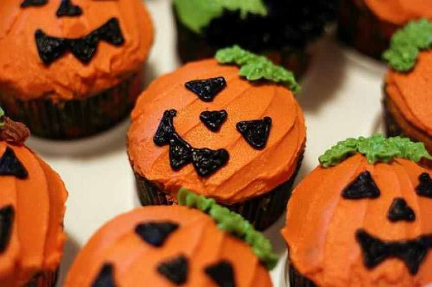 Кексы на Хэллоуин. Фото с сайта blog.thehobbymaker.com