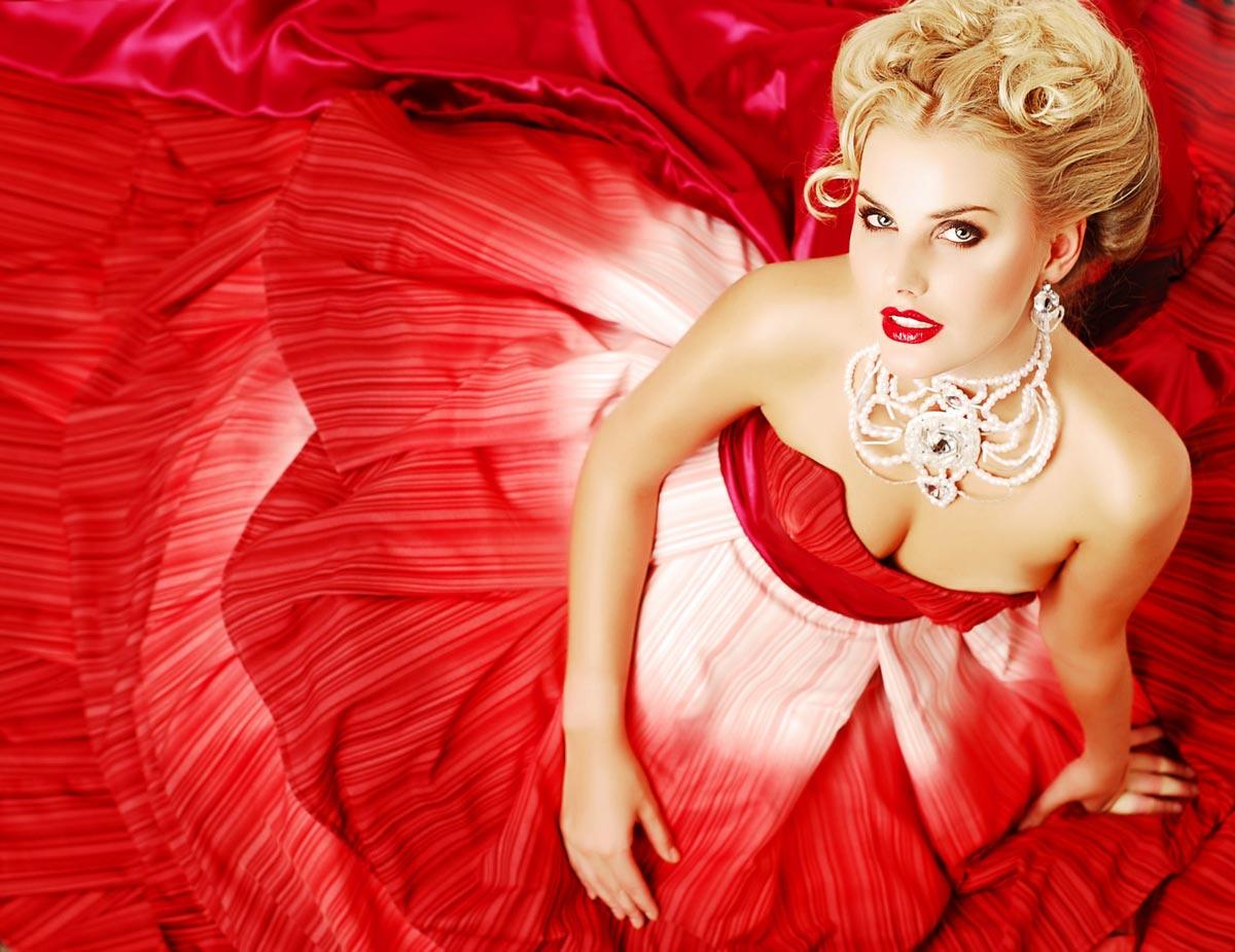 Не перебарщивайте с украшениями. Фото с сайта www.megalyrics.ru