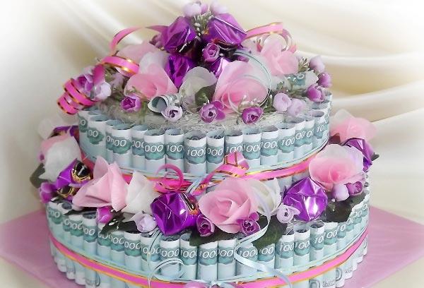 Шикарный денежный торт. Фото с сайта batutin.com