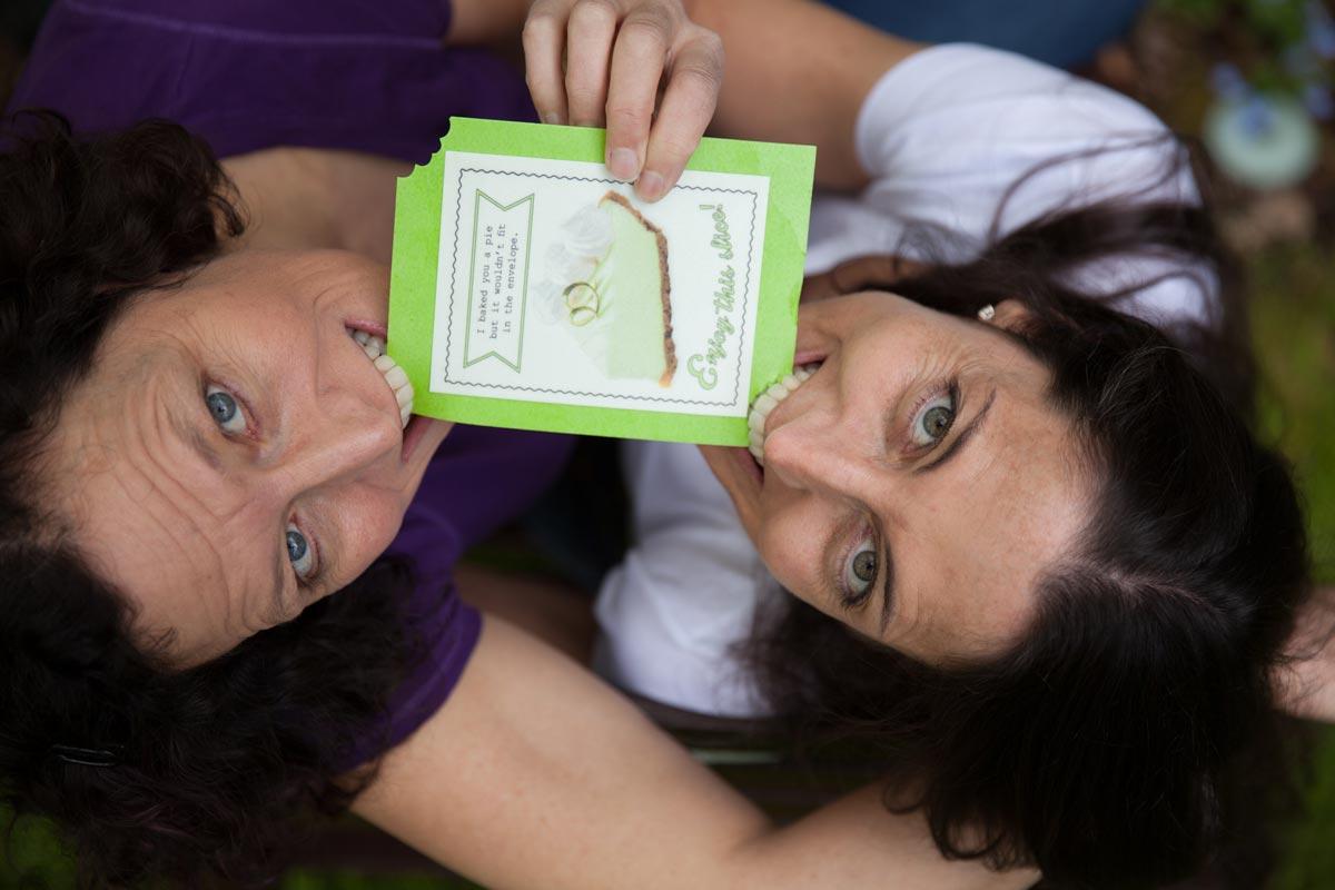 Креативные свадебные открытки. Фото с сайта eatthefineprint.files.wordpress.com