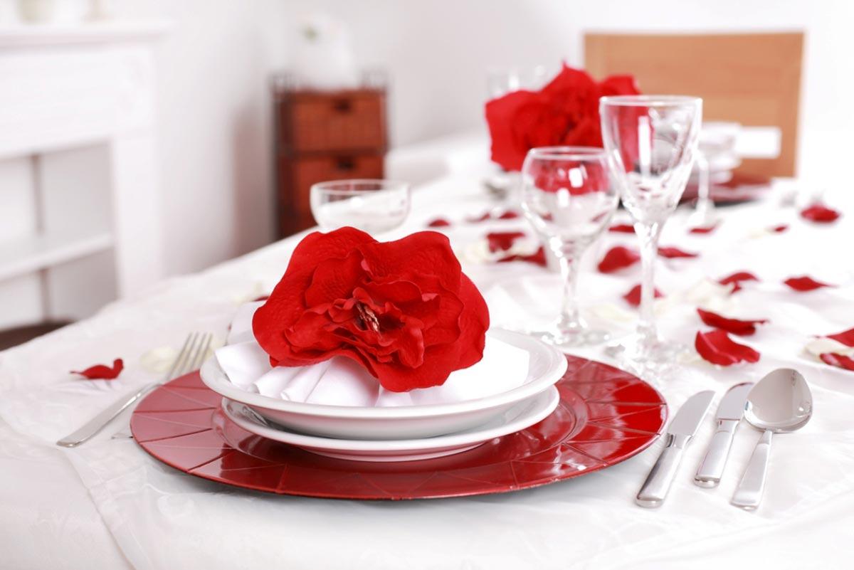 Красный цвет в этот день в фаворе. Фото с сайта hdwallpapers.cat
