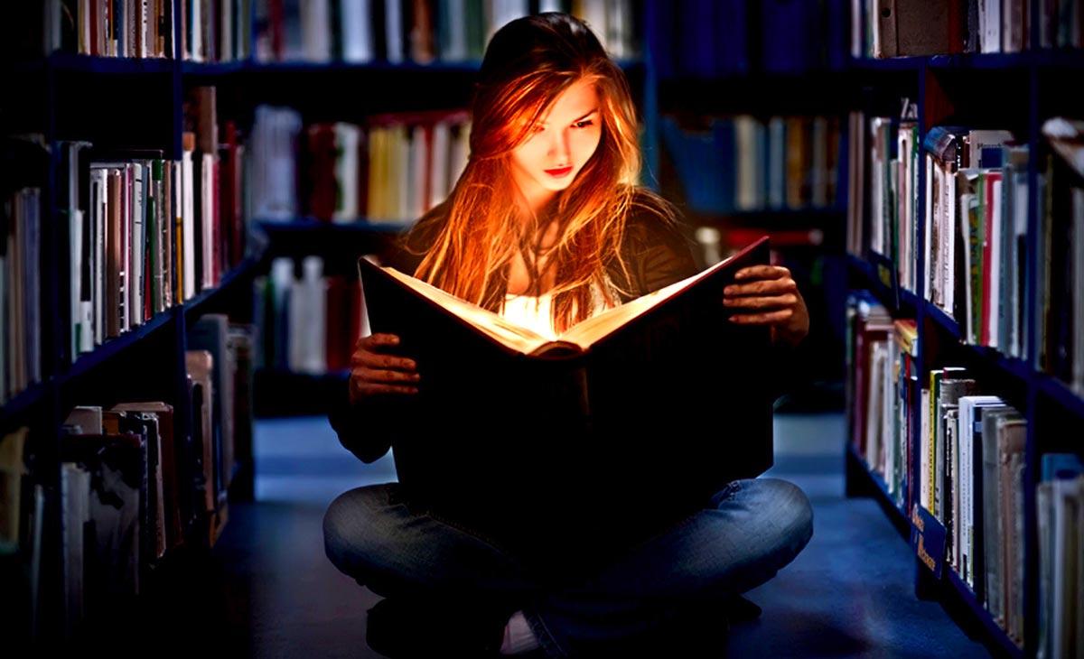 Посещайте библиотеки чаще, хотя бы электронные. Фото с сайта www.piterpen35.ru