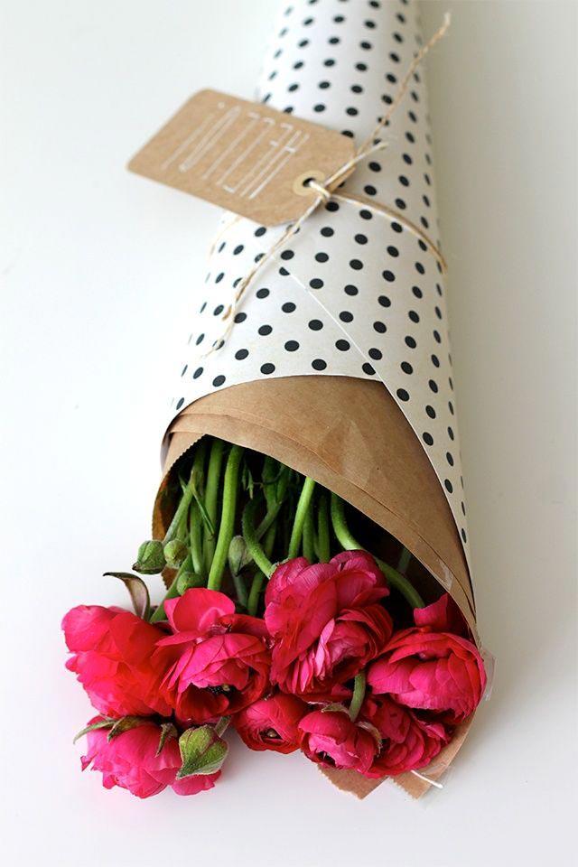 Бумага – один из вариантов упаковки. Фото: ladyspecial.ru