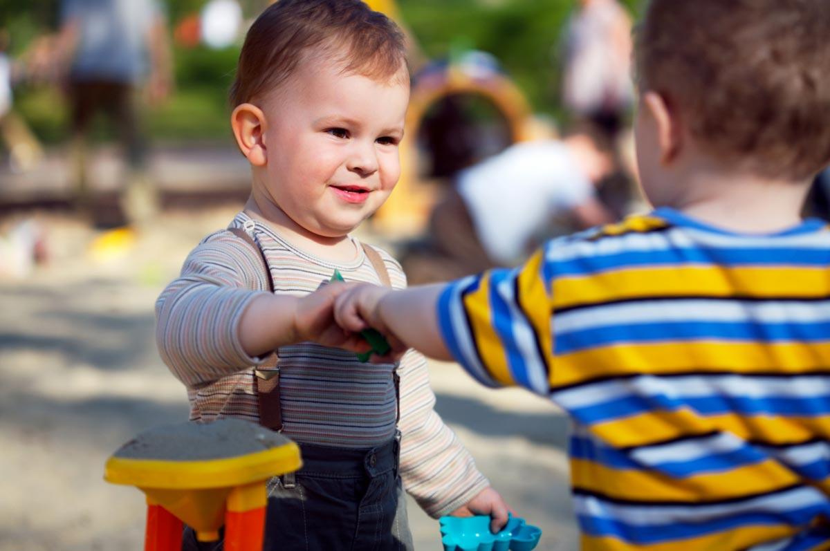 Расскажите малышам, что такое дружба. Фото с сайта www.pianetamamma.it