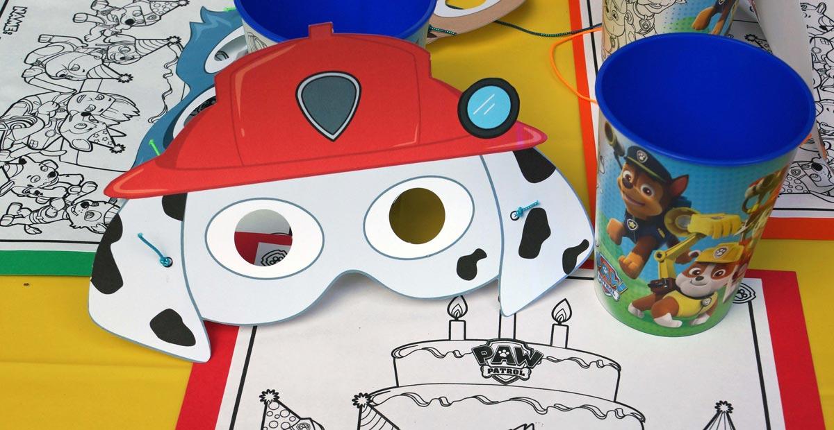 Простая бумажная маска поможет создать образ. Фото с сайта jenirodesigns.com