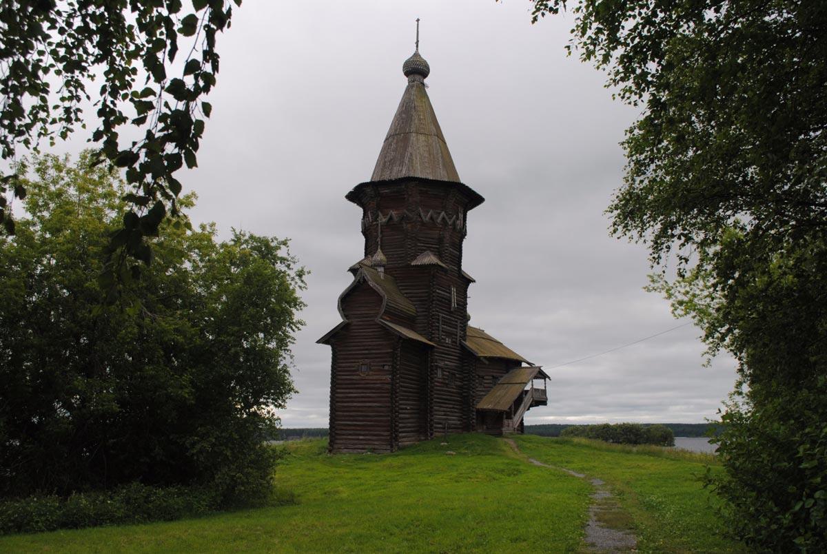 Посмотрите местные достопримечательности. Фото с сайта icache.rutraveller.ru