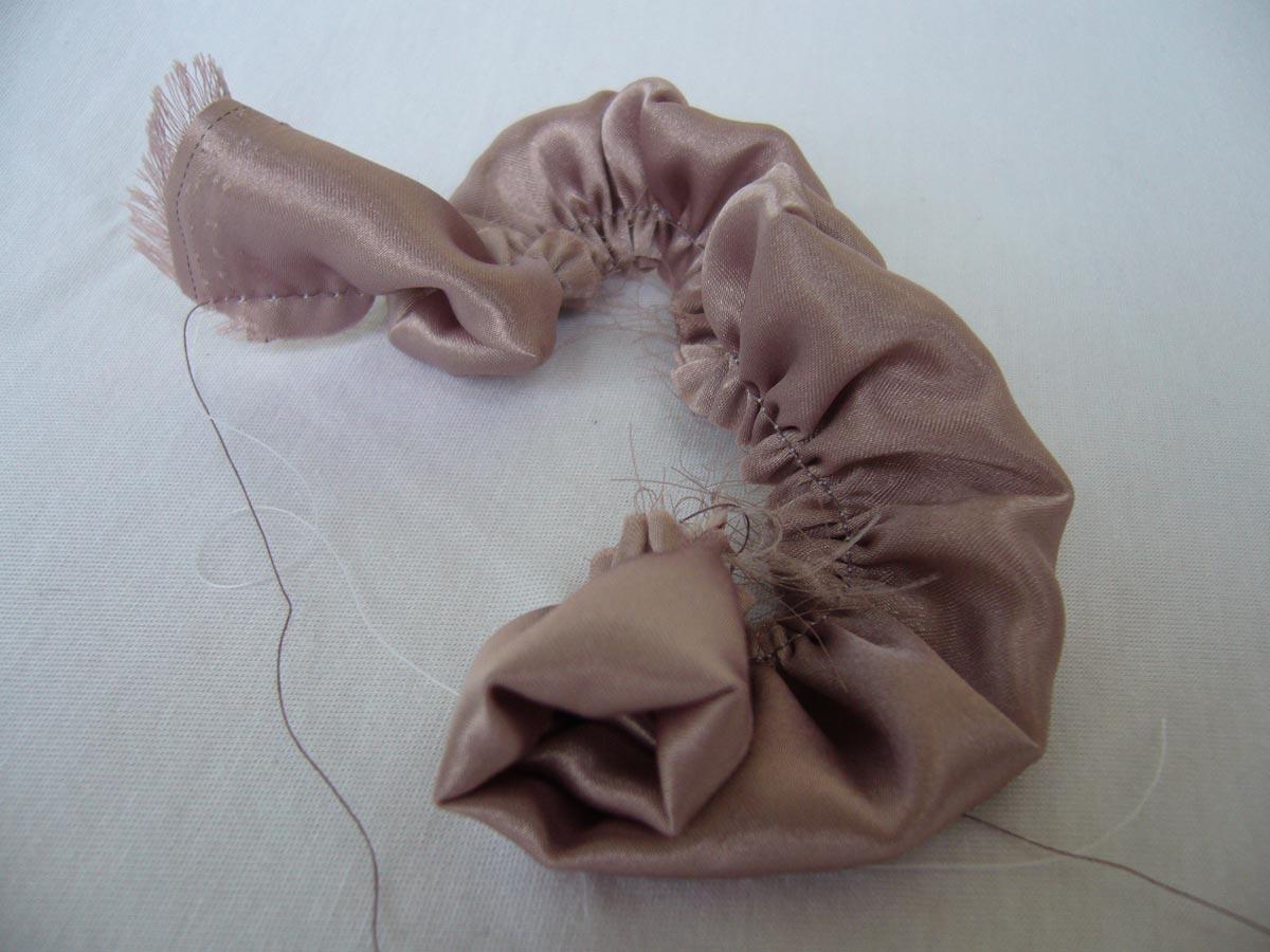 Пышные бутоны из ткани