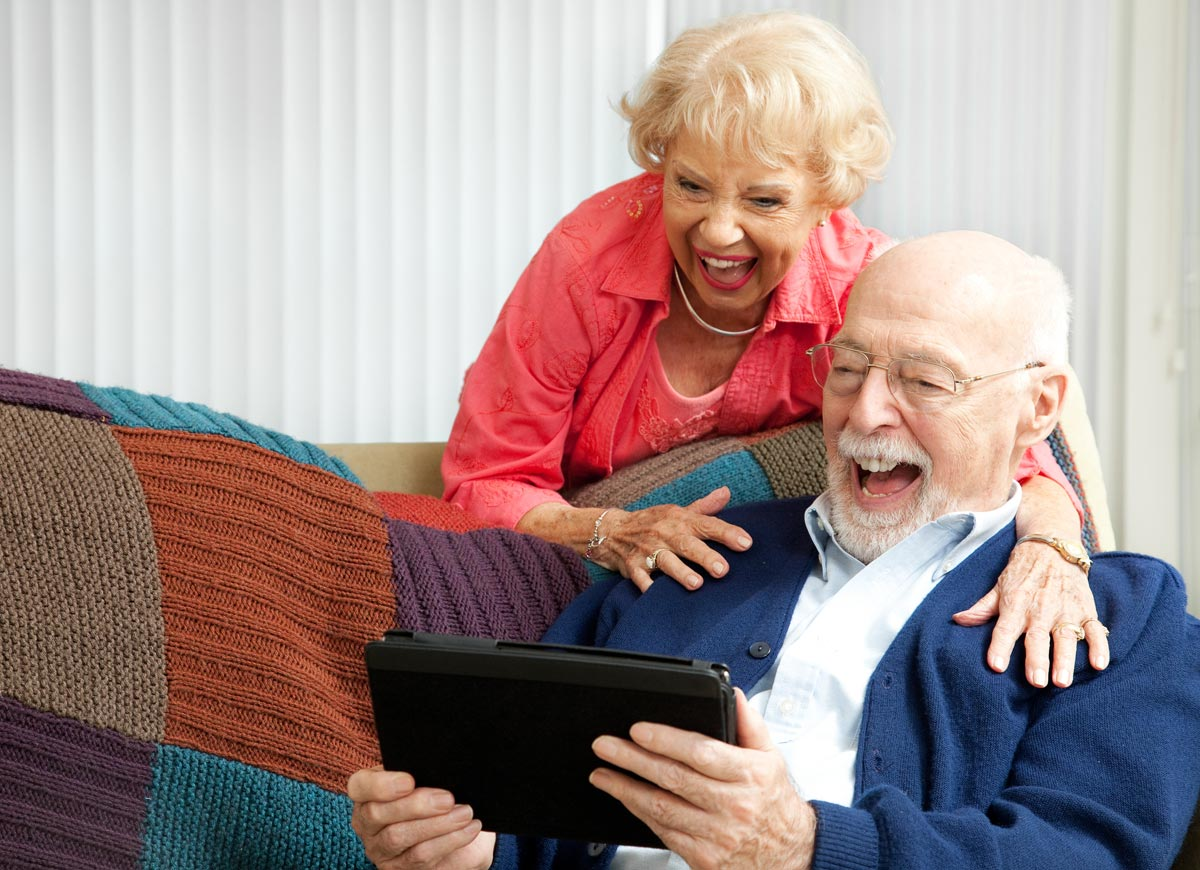 В 70 лет мужчина может быть домоседом. Фото с сайта start-pix.com