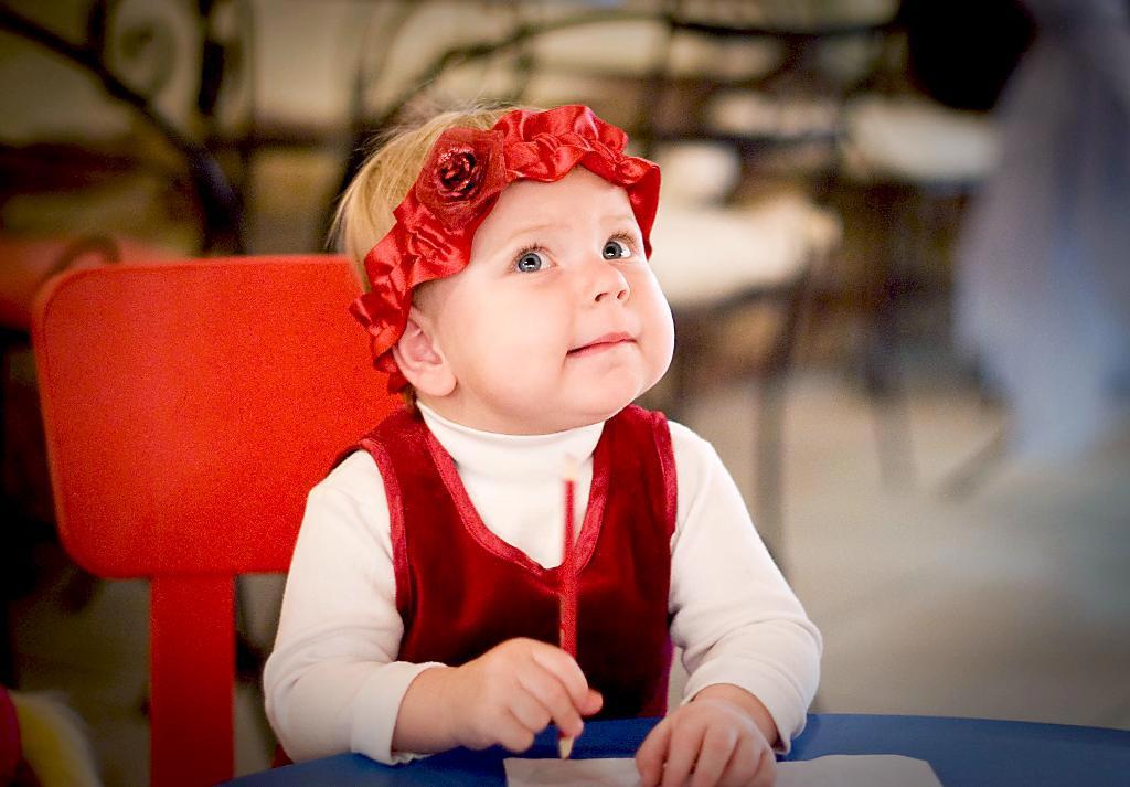Если ребенок еще не умеет писать, то вы можете записать под его диктовку. Фото с сайта m.progorod11.ru
