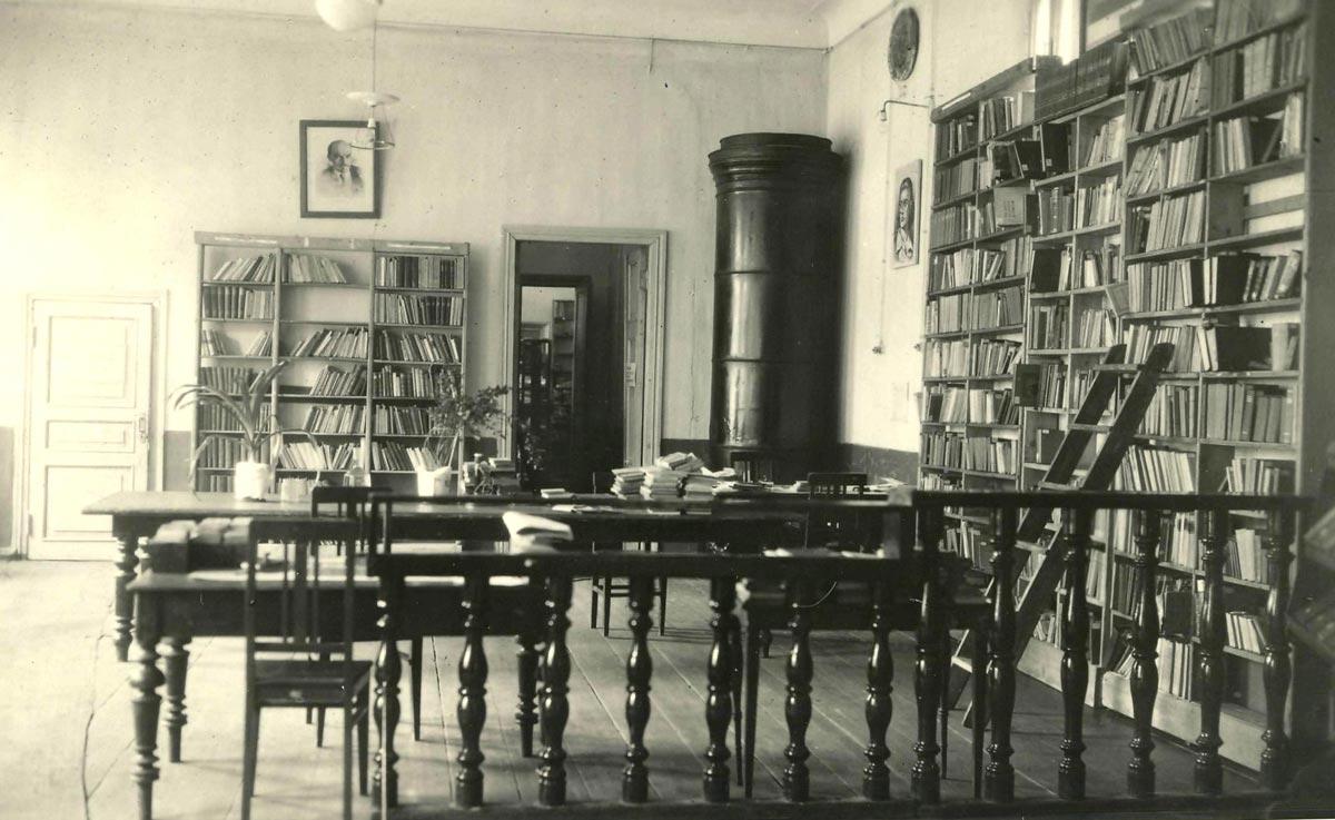 Архивы библиотек. Фото с сайта www.vatnikstan.ru