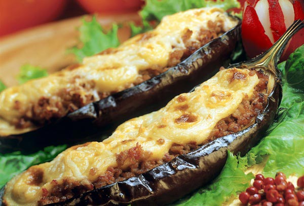 Фаршированные баклажаны оценят не только вегетарианцы. Фото с сайта www.ilovegreece.ru