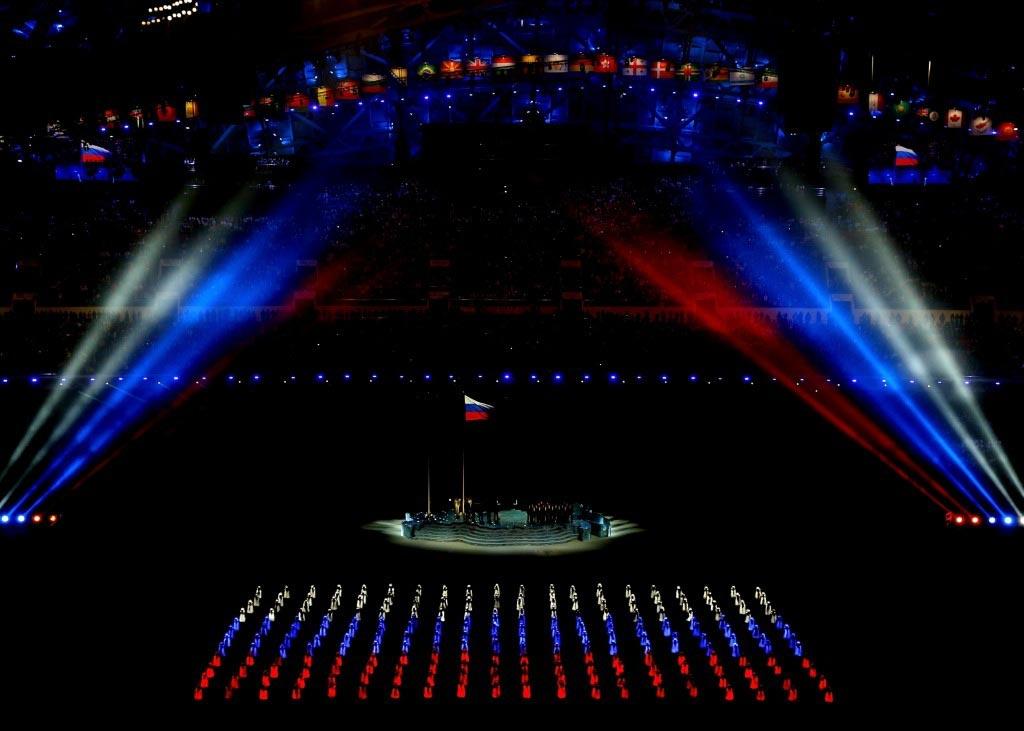 Шоу в честь праздника. Фото с сайта www.goodfon.ru