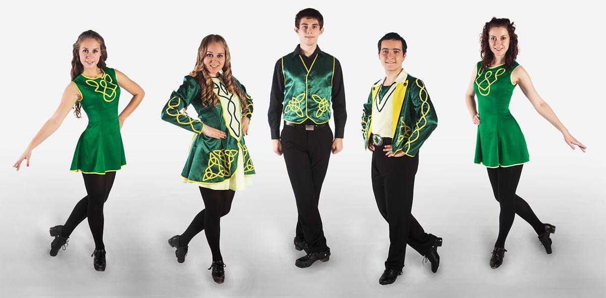 День св. Патрика в зеленых костюмах. Фото с сайта showbaza.ru