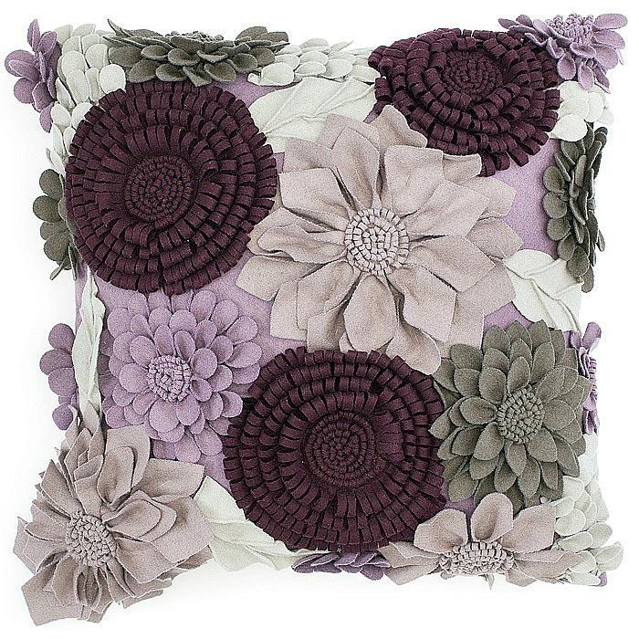 Цветы из ткани. Фото с сайта gallery.ru