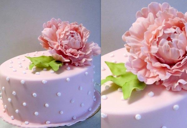 Розовый торт на розовую свадьбу. Фото с сайта nevesta.info